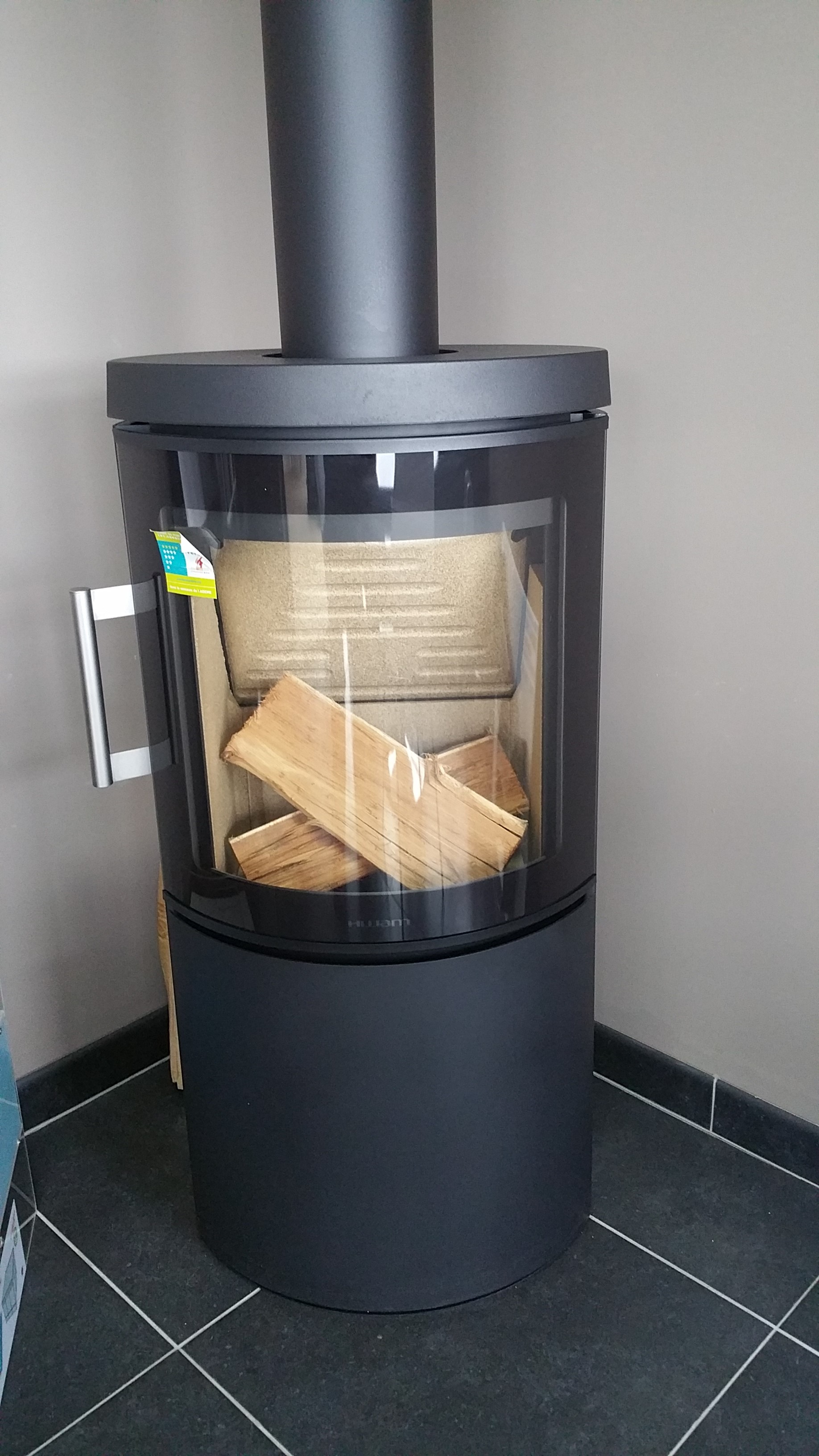 poele a bois seguin obtenez des id es de design int ressantes en utilisant du. Black Bedroom Furniture Sets. Home Design Ideas