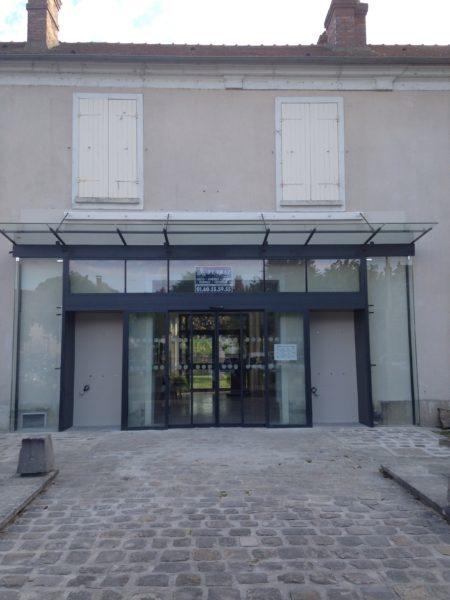 VITRINE OFFICE DU TOURIMSE